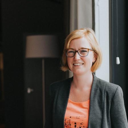 Mary van der Lee - Binnendienst